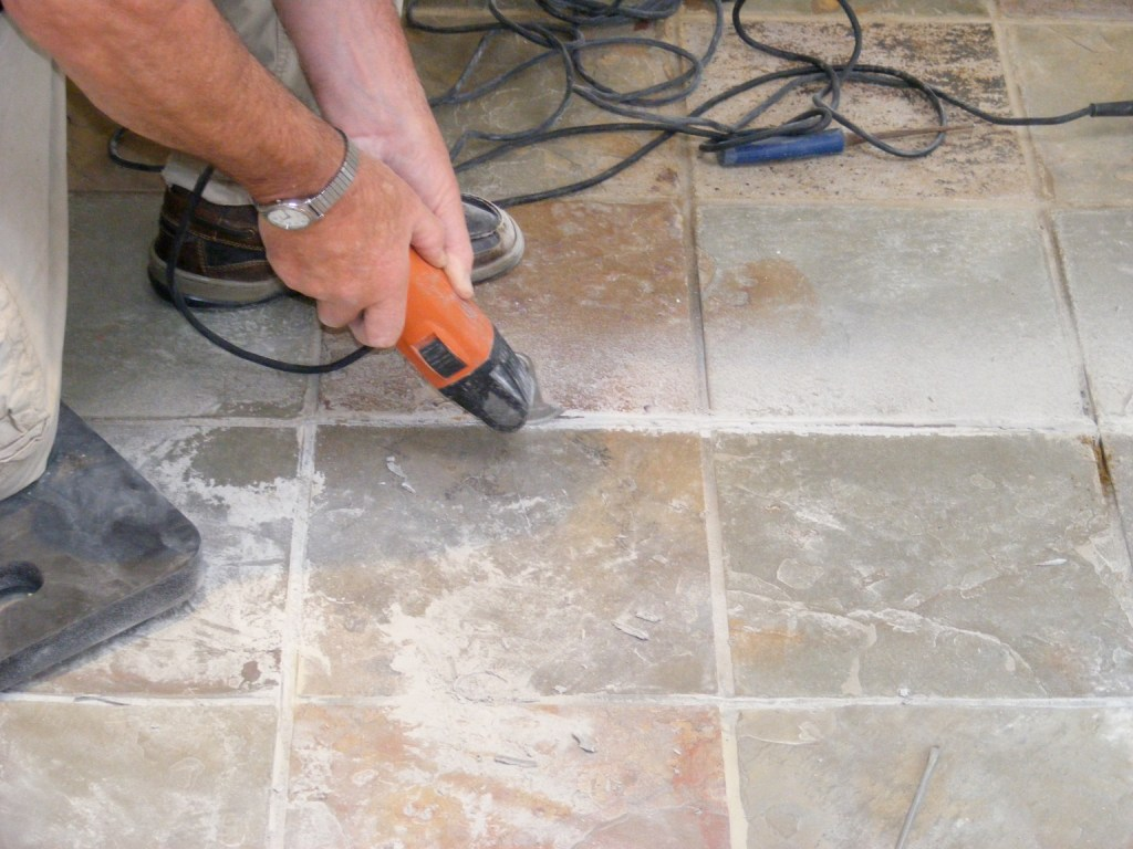 Cutting out with an Oscillating grout tool